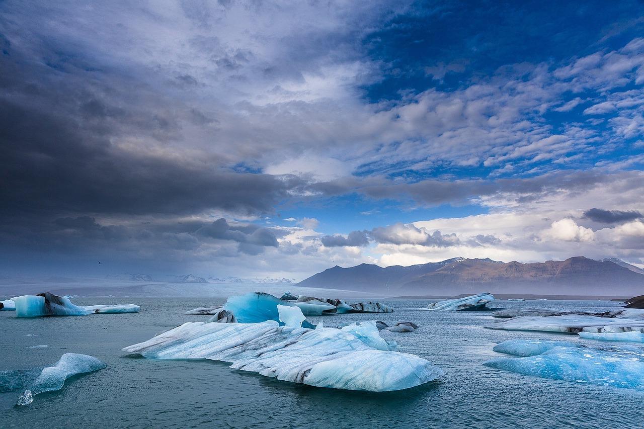Eis vor Island