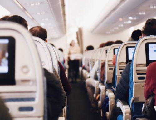 Immer mehr Deutsche reisen mit dem Flugzeug und Auto
