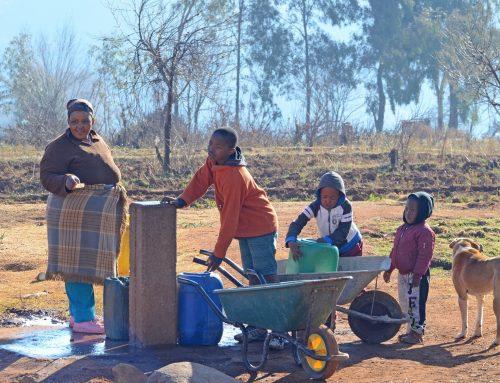 Warum die Verbesserung des menschlichen Abfallmanagements in afrikanischen Ländern für eine bessere Gesundheit, Umwelt und Wirtschaft sorgen kann